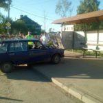 В Кирове 19-летний водитель ВАЗа въехал в остановку: пострадал один человек