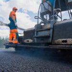 Кировские дороги будут ремонтировать асфальтоукладчиком с цифровым управлением