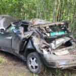 В Верхнекамском районе пьяный бесправник на «Ладе Приора» опрокинулся в кювет