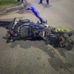 В Кирове после столкновения с «Маздой» байк разорвало на части: мотоциклист госпитализирован
