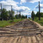 В Лузском районе дорогу в поселке «отремонтировали» горбылем