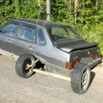 В Верхнекамском районе автомобиль лишился заднего моста во время движения по дороге