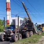 В Кирове грузовик врезался в столб