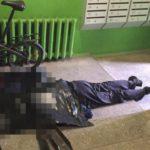 В Кирове в подъезде обнаружили тело мужчины