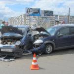 В Кирове столкнулись «Ситроен» и «Дэу Матиз»: пострадала 20-летняя девушка
