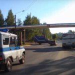 В Кирове водитель «ВАЗа», уходя от погони, врезался в машину «Почты России»