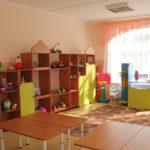 Жительнице Кирова сначала выдали, а потом забрали путевку в детский сад