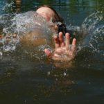 В Кирове двое мужчин спасли тонувшего у «Титаника» мальчика