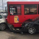 В Кирове водитель автобуса потерял сознание и устроил массовое ДТП