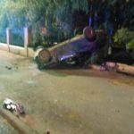 В Кирове водитель «Гранты» опрокинулся на дороге и въехал в забор
