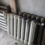В Юрьянском районе четверо мужчин срезали и похитили из дома систему отопления