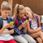В одной из школ Кирова ученикам запретили пользоваться смартфонами, имеющими выход в интернет