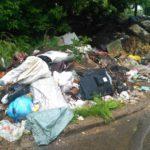 Жителям районов Кировской области приходится бегать за мусоровозами