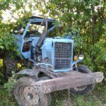 В Верхошижемском районе 15-летний подросток опрокинулся на тракторе в кювет