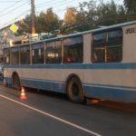 В Кирове водитель троллейбуса устроил тройное ДТП