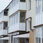 С 1 октября россиянам запретят курить и жарить шашлыки на балконах