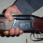 Житель Кировской области попытался застрелить из ружья свою жену и дочь
