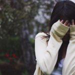 В Кирове на улице ограбили девушку, изрезав ей лицо ножом