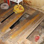После проведенного управляющей компанией ремонта, кировчанка провалилась в подвал в собственной квартире
