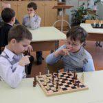 В школах Кировской области планируют включить игру в шашки и шахматы в образовательный процесс