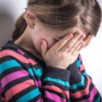 В Кировской области женщина истязала своих несовершеннолетних дочерей