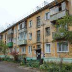 В Кирове всего через год после капремонта в одном из жилых домов стали ржаветь и протекать трубы