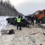 В Мурашинском районе в столкновении «Ниссана» с «КамАЗом» погибли два человека