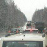 Из-за гололеда пассажирам пяти автобусов «Киров-Нолинск» пришлось 7 часов простоять в пробке