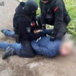 За незаконную силовую доставку предпринимателя на допрос кировский следком заплатит 15 тысяч рублей