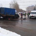 В Кирове за прошедшие выходные произошло два ДТП с участием спецтранспорта