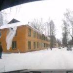 В Кирово-Чепецке рабочий упал с крыши дома