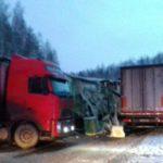 В Белохолуницком районе в результате столкновения двух грузовиков госпитализирован мужчина