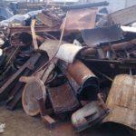 В Омутнинске четверо мужчин, проломив стену в гараже, украли металлолом на 40 тысяч рублей