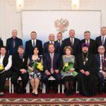 Полномочный представитель Президента в ПФО Игорь Комаров вручил государственные награды кировчанам