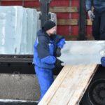В Киров для строительства ледового городка на Театральной площади прибыла первая партия льда из Тюмени