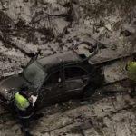 Появилось видео падения автомобиля с моста в Кирове