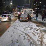 В Кирове водитель «ВАЗа» врезался в троллейбус