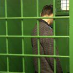 В Кирове местные жители задержали грабителя, который напал на женщину
