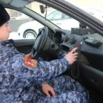 В Кирове росгвардейцы нашли пропавшего пенсионера, бродившего по улицам без верхней одежды