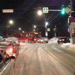 В Кирове в результате столкновения «Фольксвагена» с автобусом пострадали женщина и 4-летняя девочка