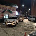 В Вятских Полянах пьяная женщина на «УАЗе» врезалась в припаркованную машину и мусорный бак