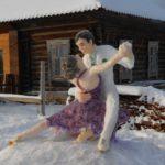 Автор снежной девушки из Тужи создал еще одну композицию