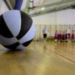 В Пижанском районе директор школы принял и оплатил некачественный ремонт спортзала