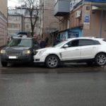 В Кирове во время движения стало плохо 53-летнему водителю «Кадиллака»: мужчина скончался в больнице