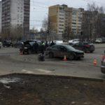 В Кирове в результате столкновения двух иномарок пострадали два человека