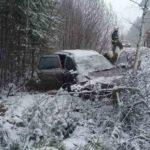 В Яранском районе водитель «Калины» вылетел в кювет: пострадали три человека