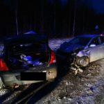 Сотрудники ГИБДД Кирова рекомендуют водителям избегать опасных маневров на дороге и не выезжать на полосу встречного движения