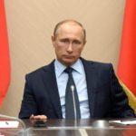 Путин продлил режим выходных по 30 апреля