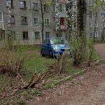 В Кирово-Чепецке водитель «Шкоды» вылетел с дороги и врезался в дерево