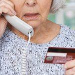 Пенсионерка из Слободского стала жертвой мошенников, пытаясь купить памятную медаль в сети